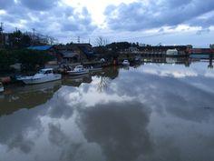 川一面の曇り空 |||冬 曇り 川 素材として使用可||| December 09 2015 at 05:39PM ||| nagamel.tumblr.com