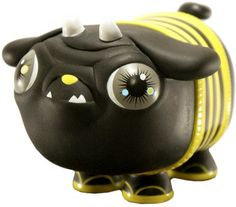 'Bumble Puck' by Okedoki & produced by VTSS Toys. This colorway was a Flabslab exclusive.