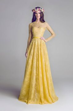 A simple yellow wedding dress