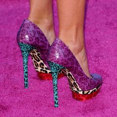 If these weren't stiletto heels, I'd wear them EVERYWHERE...even to the grocery store. I LOVE me some crazy-colored leopard prints! (via I Love Cute Shoes)