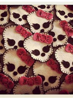 Girly felt skulls
