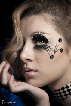 35+ Stunning Eye Make up Photography: black beauty