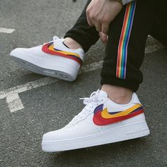 Is the NIKE AF1 SWOOSH PACK one of the most underrated pairs of 2018? - Images courtesy of @alyasmusic - #thedropdate #nike #nikeair #nikeairforce1 #airforce1 #af1 #swooshpack
