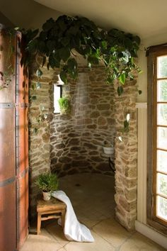 I Love, love, love this shower by John Carloftis. My Dream home has an open shower and at least 1 window where plants will thrive. Douche Design, Open Showers, Earthship, Enchanted Garden, Dream Bathrooms, Walk In Shower, Rock Shower, Dream Shower, Interior Exterior