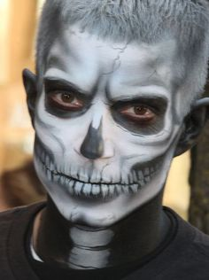 Brow shading for skeleton makeup Scary Halloween, Halloween Face Makeup, Skeleton Makeup, Scary Faces, Skull Face, Brows, Painting, Costume, Graphics
