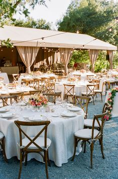 Fleurs De France designs wedding floral arrangements and floral designs for Napa and Sonoma weddings and events. Luxury wedding flowers are our specialty. Napa Valley, Calistoga Ranch, Drake, Napa Sonoma, Wine Country, Corporate Events, Event Decor, Event Design, Floral Wedding