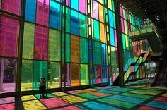 mundo, cores  Centro de Convenções em Montreal, Canadá