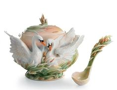 Southern Splendor Swan Soup Tureen and Ladle Bowl