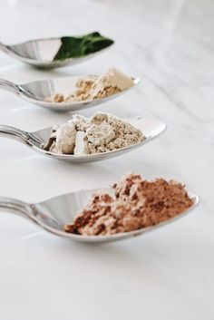 Essential Natural Supplement Staples: Cacao, Maca, Acai, and Spirulina Haut Routine, Gula, Natural Supplements, Nutritional Supplements, Food Styling, Food Art, Food Photography, Product Photography, Herbalism