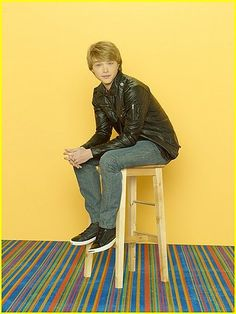 CHANCE - Sterling Knight stars as Chad on Disney Channel's 'Sonny with a Chance. Chad Dylan Cooper, Old Disney Shows, Sonny With A Chance, Melissa & Joey, Disney Channel Stars, Bunny Outfit, Celebrity Gallery, Gorgeous Men, Season 2