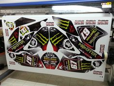 Honda TRX 450 atv graphics kit. Kit by Fireblade Graphics and Signs . Like us on Facebook to see all our kits and to purchase them from our Facebook store.