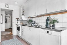 #homestyling #styling #kök #kitchen Homestyling av 3:a i Nacka Strand | Move2