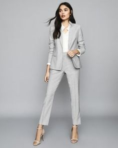 menswear for women ~ Beards Lawyer Fashion, Business Fashion, Business Chic, Business Wear, Formal Suits For Women, Work Suits For Women, Stylish Womens Suits, Suits Women, Look Office