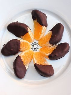 Chocolate dipped oranges can be hard, but are so worth it in the end! Celebrate Valentine's with seasonal citrus instead of the unripe strawberries of winter.