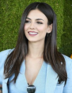 Welcome to OoohVictoriaJustice Brazilian fan club dedicated to Victoria Justice!!!