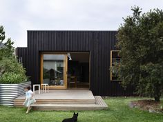 Batten & Board House - Rob Kennon Architects Love the timber cladding exterior! Timber Battens, Timber Cladding, Exterior Cladding, Cladding Ideas, Timber Deck, Residential Architecture, Modern Architecture, Construction Garage, Black Cladding