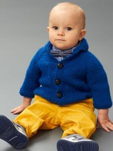 Sizzes: 12 and 18 months. Free knitting pattern. Pattern category: Baby Cardigan. Bulky weight yarn. 300-450 yards. Features: Raglan, Top-Down, Worked as One-piece. Intermediate difficulty level.