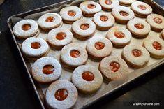 Fursecuri fragede cu unt 3 2 1 | Savori Urbane Unt, Doughnut, Cookie Recipes, Biscuits, Muffin, Sweets, Urban, Cookies, Breakfast
