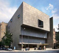 O Metropolitan, em NY, está planejando uma grande exposição da Lygia Pape para o ano que vem, com direito a performance na avenida Madison, em frente ao novo prédio adquirido para expor arte contemporânea, o Met Breuer.