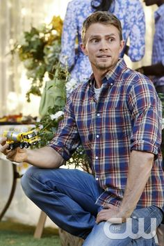 """Hart of Dixie -- """"One More Last Chance"""" -- Image Number: HA311a_0576b.jpg -- Pictured: Wilson Bethel as Wade -- Photo: Greg Gayne/The CW -- � 2013 The CW Network, LLC. All rights reserved.pn"""
