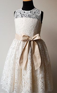 adorable flower girl lace dress. Bow can be replaced in any color -Blue