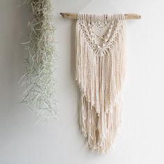 No photo description available. Macrame Curtain, Beaded Curtains, Modern Macrame, Macrame Chairs, Boho Wall Hanging, Macrame Projects, Macrame Knots, Macrame Patterns, Crochet Home
