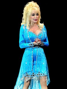 Country Music Association, Country Music Awards, Dolly Parton Kenny Rogers, Dolly Parton Pictures, Elegant Dresses For Women, Female Singers, Hello Dolly, Vintage Glamour, Southern Belle