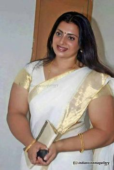 Priya Raman Photos - Priya Raman in Kerala Traditional Saree Indian Actress Hot Pics, South Indian Actress Hot, Indian Actresses, Beautiful Girl In India, Beautiful Girl Image, Beautiful Saree, Beautiful People, Indian Natural Beauty, Indian Beauty Saree
