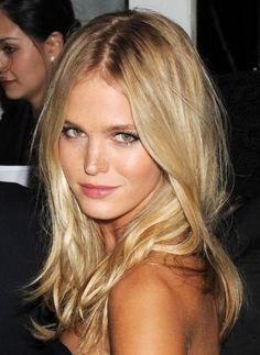 Erin Heatherton Long Blonde Wavy Center Part Hair Style