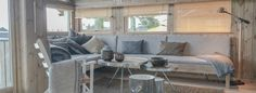 Tjuvtitt på Hedda-hytta på Norsk Hyttesenter Log Homes, Couch, Houses, Furniture, Home Decor, Beige, Timber Homes, Homes, Settee
