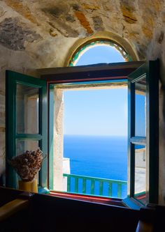 What would be your first thought if you woke up to this infinite view every single day? 😍 Head to on and you'll… Greece Islands, Shore Excursions, Window View, In Ancient Times, Singles Day, More Pictures, Event Design, Infinite, Table Settings