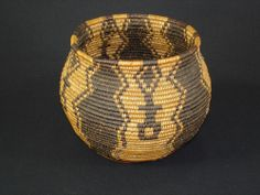 VERY FINE  ANTIQUE NATIVE AMERICAN INDIAN YAVAPAI APACHE OLLA BASKET