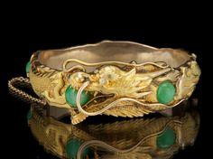 Arthur & Bond Gold and Jadeite, and Diamond Dragon Design Bangle Bracelet, ca. 1915 I want this Jade Jewelry, Jewelry Accessories, Jewelry Design, The Bangles, Gold Bangles, Antique Jewelry, Vintage Jewelry, Edwardian Jewelry, Dragon Jewelry