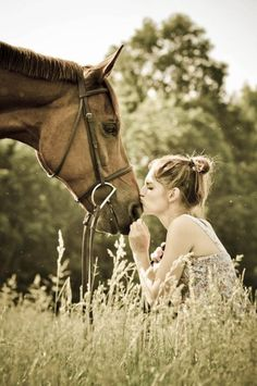 .I wish I were that comfortable around my favorite animal..maybe one day.. Love horses :)