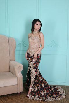 Kebaya from Instagram @Adella_Kebaya Kebaya Hijab, Kebaya Brokat, Batik Kebaya, Kebaya Muslim, Dress Brukat, Thai Dress, Batik Fashion, Women's Fashion, Model Kebaya Modern