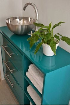 Wow, a great vanity made from an Ikea dresser and a salad bowl!