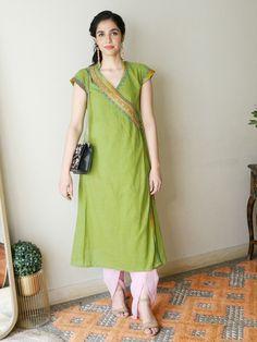 Indian Designer Outfits, Indian Outfits, Designer Dresses, Designer Wear, Salwar Neck Patterns, Dress Patterns, Kurti Sleeves Design, Collar Kurti Design, Office Wear Women Work Outfits