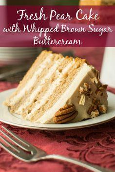 Fresh Pear Cake with Whipped Brown Sugar Buttercream - A baJillian Recipes Pear Recipes, Cake Recipes, Pear Dessert Recipes, Recipes With Pears, Jelly Recipes, Fruit Recipes, Pear Cake, Moist Cakes, C'est Bon
