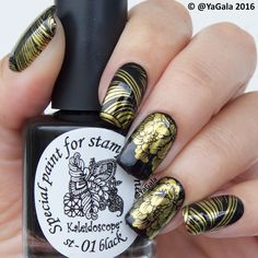 ✨Add stamping over gold pigment El Corazon (see previous post) ✨Special paint for stamping nail art Kaleidoscope No.st-01 black @el_corazon_shop . . ✨Добавила стэмпинг поверх золотого пигмента от El Corazon (см. предыдущий пост) ✨Краска для стэмпинга Kaleidoscope st-01 black @el_corazon_art_direct