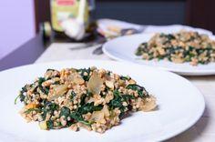 Biała kasza gryczana ze szpinakiem i orzechami #kasza #gryczana #szpinak #orzechy #cereal #spinach #nuts