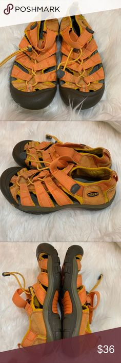 538a6cb4baa96 Keen Sandals Hiking Water Shoes Orange Women's 5 Great condition main sign  of wear just on
