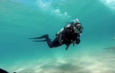 Lake Tahoe scuba diving is a fantasy of underwater world. Who dare to explore the lake's must brave to conquered cold temperatures, but cold water is not a threat or a barrier for divers. Unlike the tropical underwater world, here you may not find a color