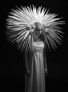 Roadkill couture: Designer creates grisly bridal wear using seagull wings cat fur and even HUMAN BONES Fotoinspiration Fashion Fotografie, Avant Garde Hair, Foto Art, Mode Inspiration, Character Inspiration, Couture Collection, Bridal Collection, Hair Art, Headgear