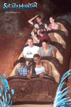 The Pokerface | 19 Hilarious Pictures Of People Posing On Splash Mountain