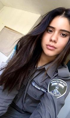 Idf Women, Military Women, Israeli Girls, Outdoor Girls, Military Girl, Female Soldier, Girls Uniforms, Gorgeous Women, Police