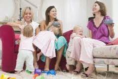 fotka - inšpirácia pre lobby alebo bar - mamy pijú kávu a okolo sa hrajú deti Stay At Home Mom, Baby Development, Friends Mom, Children Images, For Your Health, Parenting Hacks, Foster Parenting, New Moms, Kids Playing