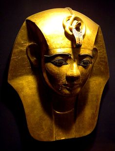 Psusennes gold death mask. Cairo, Egypt. Credit: Andy Webb
