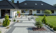 Niezwykle eleganckie wejście. Front House Landscaping, Backyard House, Modern Backyard, Backyard Landscaping, House Landscape, Garden Landscape Design, Paving Design, Patio Wall, Patio Roof