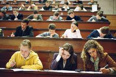 Все русские люди имеют право на бесплатное высшее образование