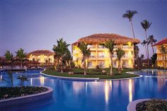 #Dreamspuntacana all inclusive. Perched on the white sand Uvero Alto Beach, Dreams Punta Cana – All Inclusive features an expansive pool, tennis, a spa, fitness center, six restaurants and 10 lounges. #resorts #hotel